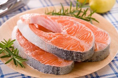 Cá hồi hay được dùng trong các chế độ ăn giảm cân