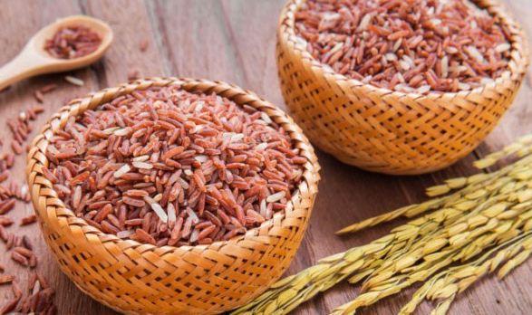 ăn gạo lứt giảm cân là phương pháp phổ biến hiện nay của chị em