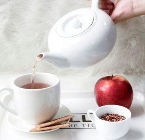 uống trà gạo lứt rang buổi sáng để giảm cân