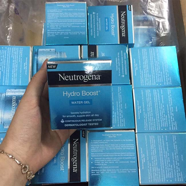 Review kem dưỡng ẩm Neutrogena
