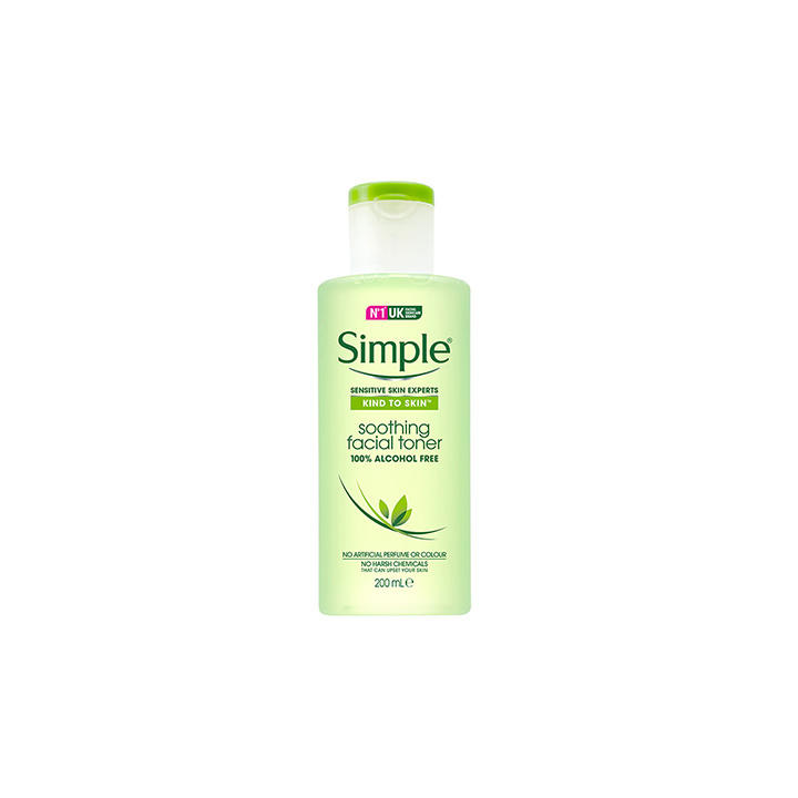 Review toner Simple Kind To Skin Soothing Facial 1
